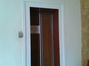使用者が限られる活動先エレベーター