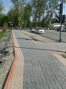 整備されつつある中心街の道