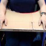 段ボールを使って車椅子用のテーブルを作ってみた!