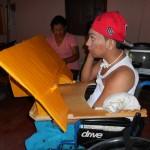 ニカラグアで作成した小児用ブランコと絵画用机!